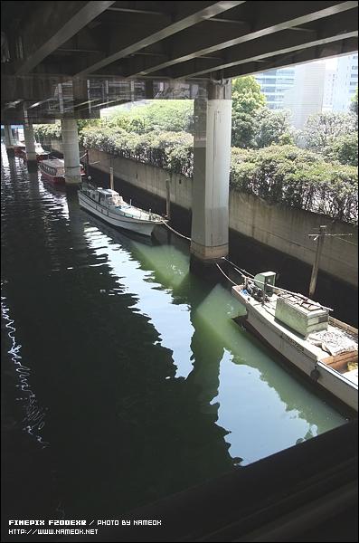 하마마츠쵸역에서 연결되는 수상버스 (水上バス) 승강장