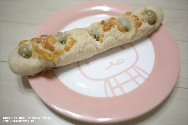 그리고, 베이커리 '알래스카' 의 특제 올리브빵!
