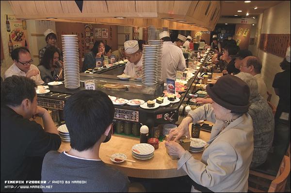 일본에서도 역시나 스시는 젊은이들 보단 장년층에게 인기있는 음식일까?