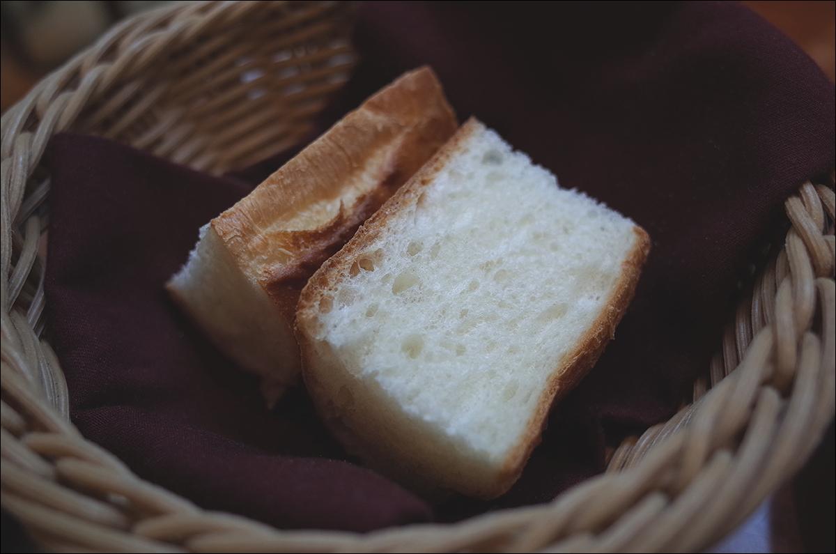 빵과 라이스를 선택할 수 있는데, 정말 맛있다