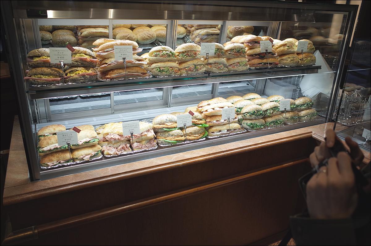 아아- 아름다운 샌드위치들을 보라!