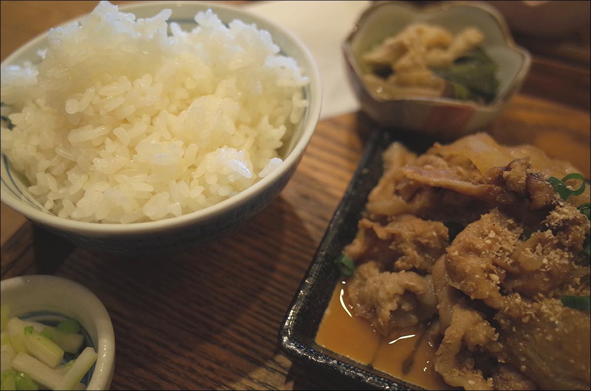 참 정갈한 일본식 집 밥 가게, 우라야