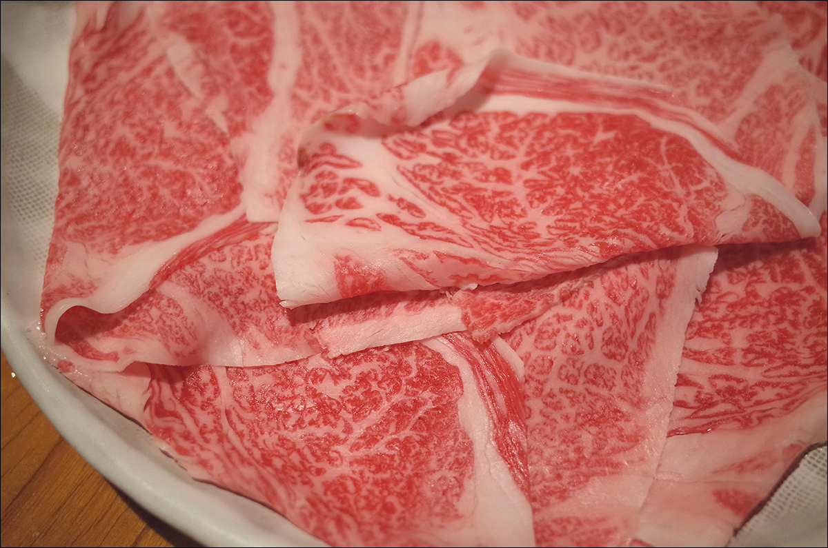 잘 먹었다 싶었는데, 다시 쇠고기 샤부샤부 시작